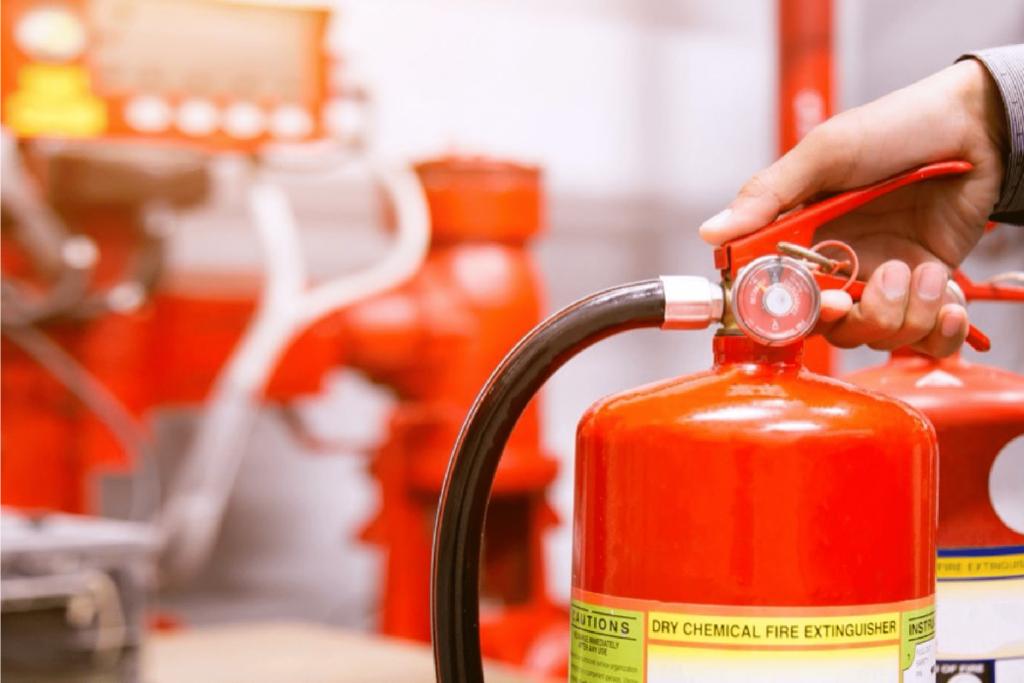 NR-23 - Treinamentos de segurança do trabalho para prevenção de incêndios.